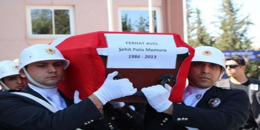 Şehit polis gözyaşlarıyla uğurlandı