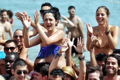 Bodrum sahillerinde çılgın eğlenceler 7