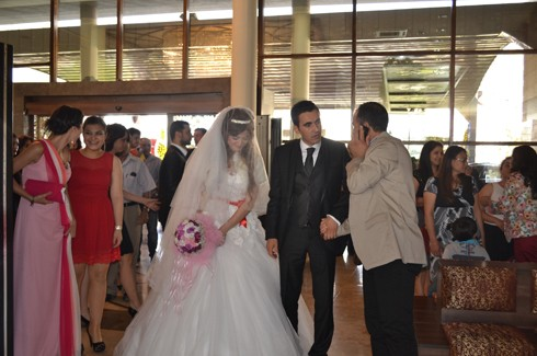 Şoför ve korumanın evliliğe uzanan aşkı 12