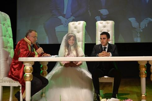 Şoför ve korumanın evliliğe uzanan aşkı 9