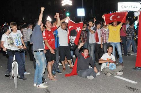 Gaziantp'te tencere ve tavalı Gezi Parkı eylemi 5