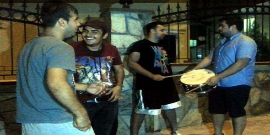 Gaziantp'te tencere ve tavalı Gezi Parkı eylemi