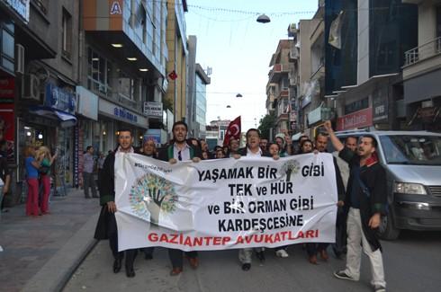 Avukatlardan protestoculara destek  12