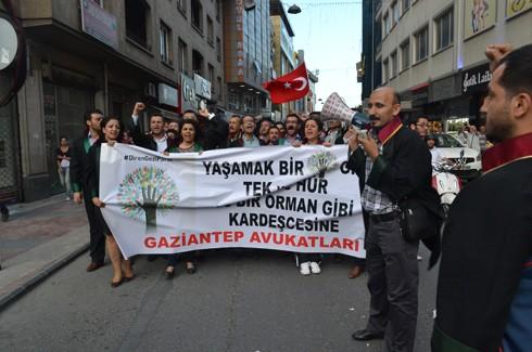 Avukatlardan protestoculara destek  3