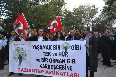 Avukatlardan protestoculara destek  9