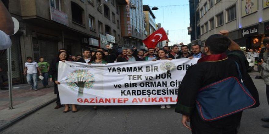 Avukatlardan protestoculara destek