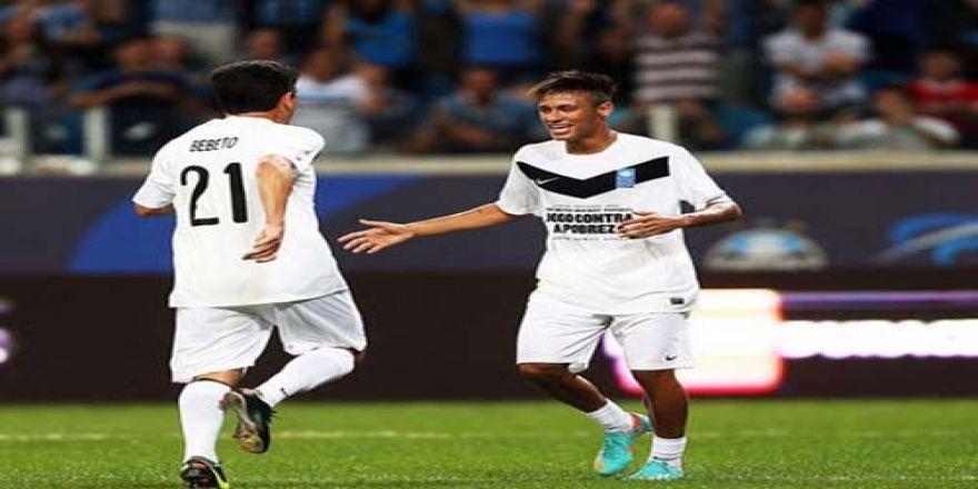 Profesyonel futbolculardan, Brezilya'daki yoksulluğa yardım