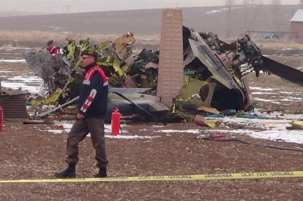 Helikopter düştü: 4 Şehit 6