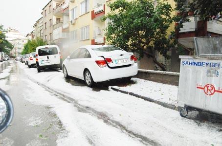 GAZİANTEP'TE Kİ SEL FELÇ ETTİ 3