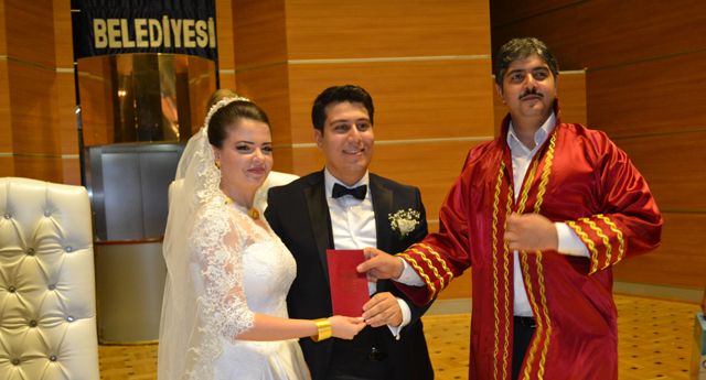 Abuşoğlu ve Tipi ailesinin mutluluğu 1