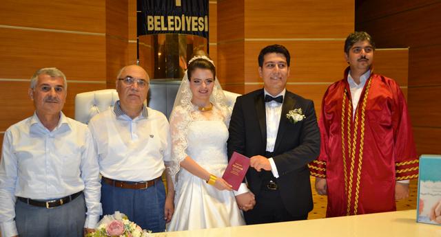 Abuşoğlu ve Tipi ailesinin mutluluğu 11