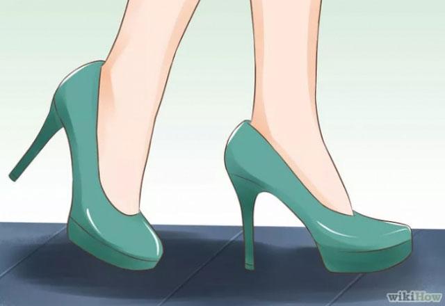 Topuklu ayakkabı giymenin incelikleri 1