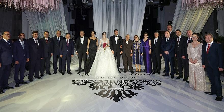 Böyle olur Güllüoğlu düğünü 1