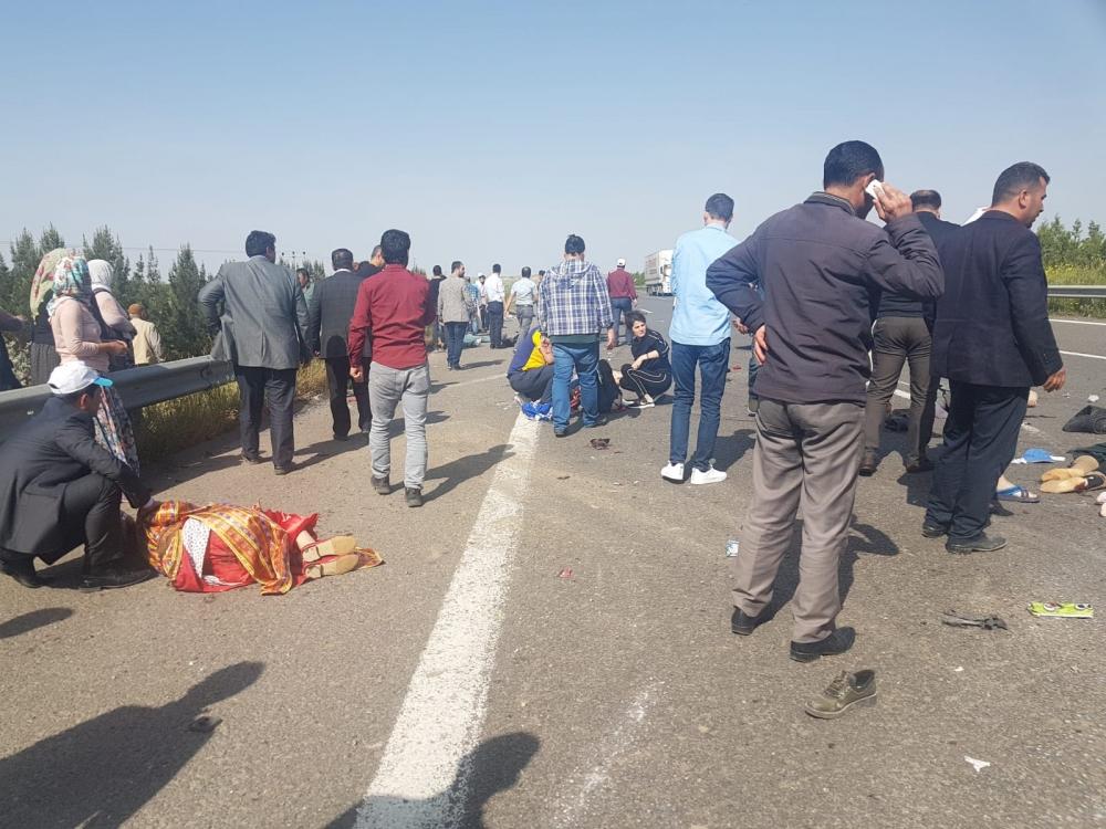 Feci kazada 5 kişi öldü 5