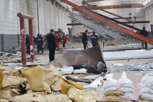 4.Organize Sanayi'de Galvaniz Fabrikası'nda patlama 33