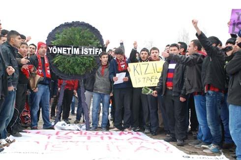 Gaziantepspor yönetimine istifa tepkisi 14