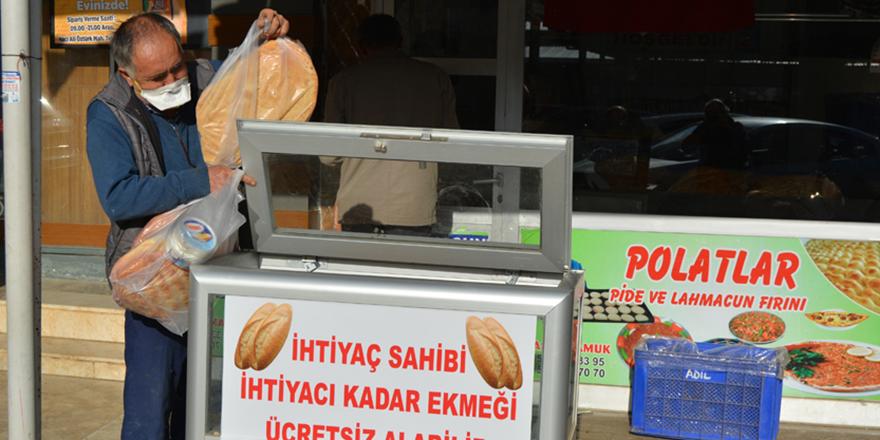 Askıda ekmek kampanyası ilgi görüyor
