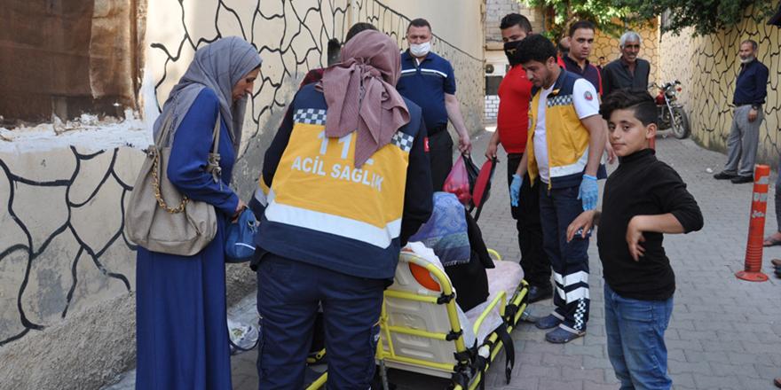 Motosikletin çarptığı hamile kadın yaralandı