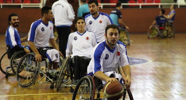 Engelli basketbolcular Çanakkale virajında