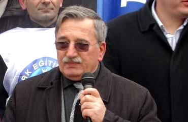 Hanefi Bostan: Öğretmenler biraz saygı istiyor
