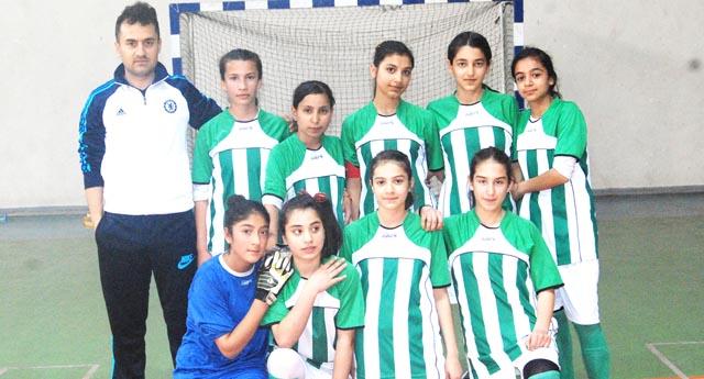 Kızların şampiyonu Adil Ceydeli 5-2