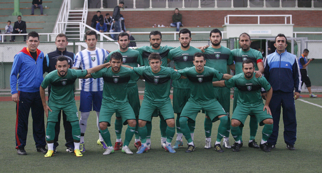 Şehitkamil 3 puanı 4 golle aldı