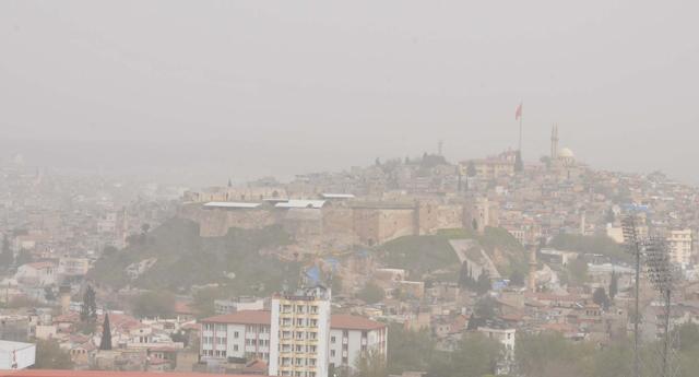 Toz bulutu sıkıntı yaşattı