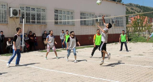 İslahiye MYO Voleybol turnuvası başladı