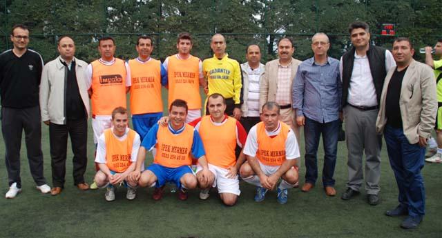 Muhasebeciler futbol turnuvası start aldı