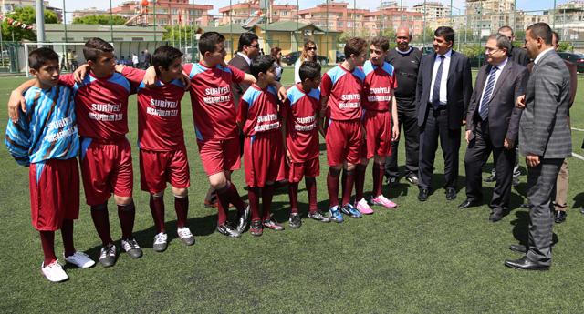 Şehitkamil'de futbol şöleni yapıldı