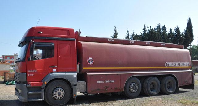 Tankere kaçak yakıt yüklemişler