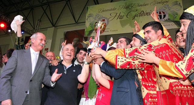 Gaün'den çifte şampiyonluk