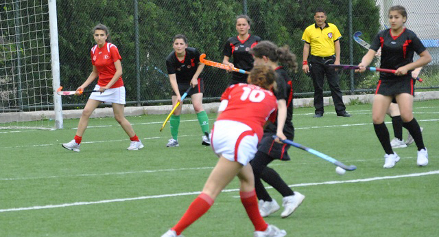 Hokey grup maçları Diyarbakır'da