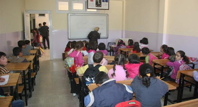 Suriyeli öğrencilere eğitim