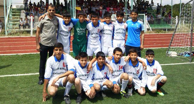 Oğuzeli'nin şampiyonu Yatılı Ortaokulu