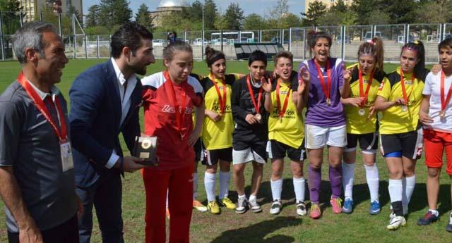 Gazikent'in kızları mutlu
