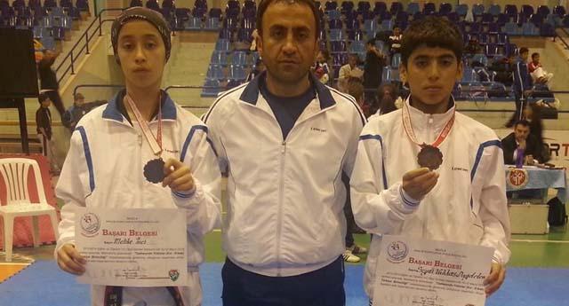Şahinbey'in taekwondocuları madalya ile döndü