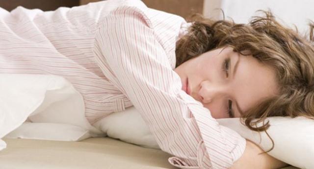 Eller yastık altında uyumayın!