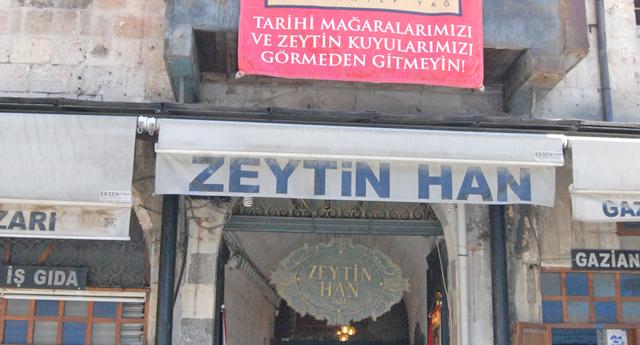 Zeytin Hanı'na turist akını