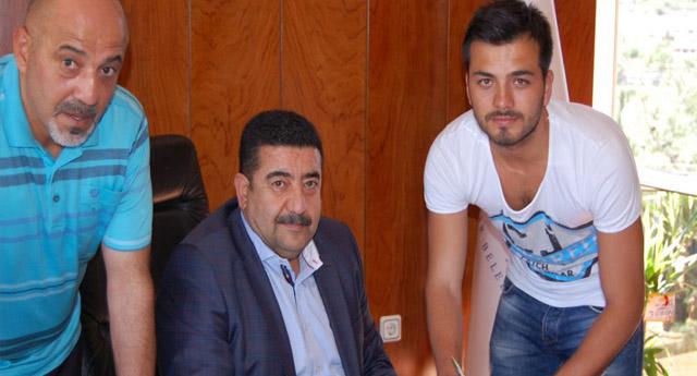 Ahmet Devret mutlu