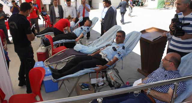 Kan bağışına polis desteği