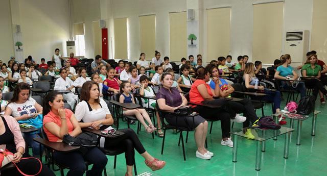 Şehitkamilli sporcular seminere katıldı