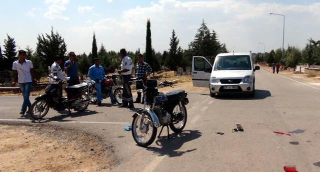 Mezarlıkta kaza: 4 yaralı