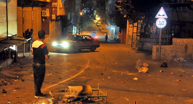 Gaziantep'te Yasa Dışı Gösteri Gerginliği