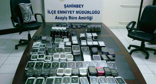 496 adet kaçak telefon yakalandı
