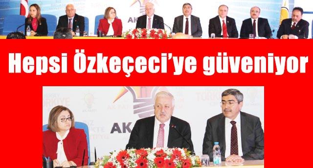 AK Parti'de kongre öncesi herkes el ele verdi