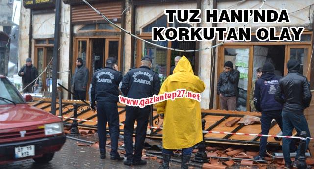 Dükkanların çatısı çöktü