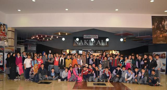 İlk defa sinemaya gittiler