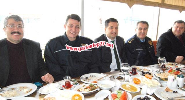 POLİSGÜCÜ KAHVALTIDA BULUŞTU