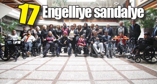 17 Engelliye sandalye